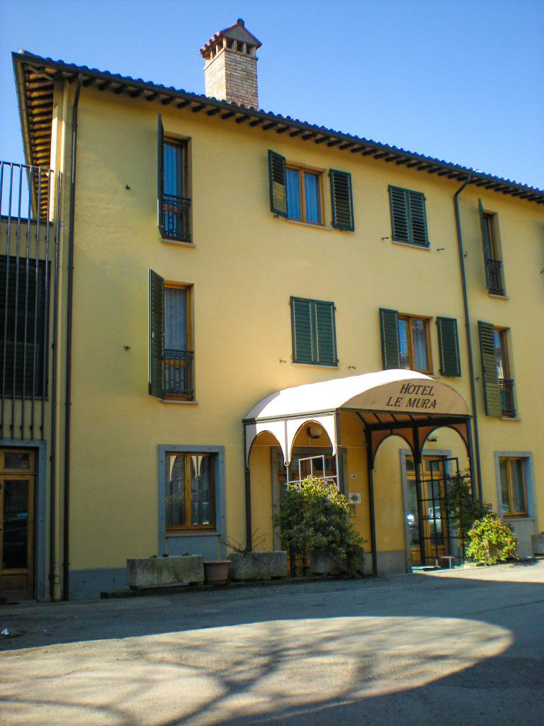 Il cammino di francesco da citt di castello ad assisi - Porta san giacomo assisi ...